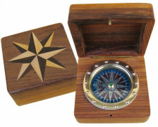Compass in wood Nr. 9279